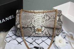 香奈儿蟒蛇包包的回收价格是多少?